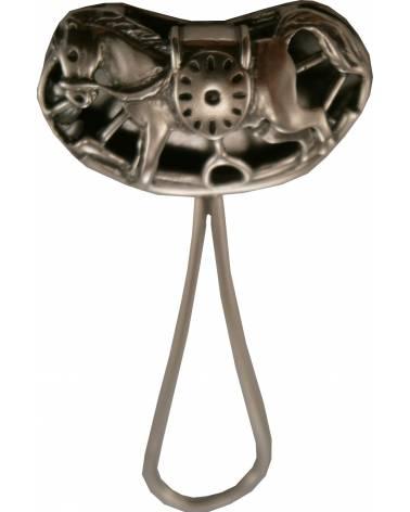 Graviruojamas sidabrinis barškutis su arkliuko atvaizdu