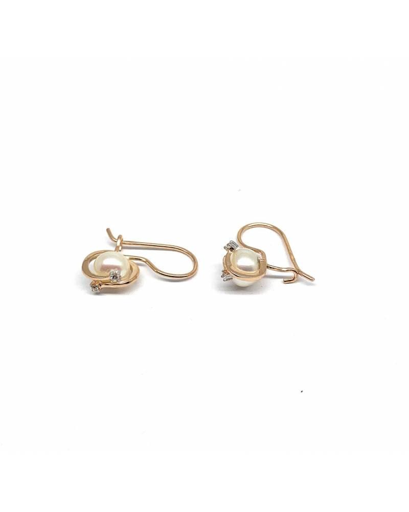 Auksiniai auskarai su perlu