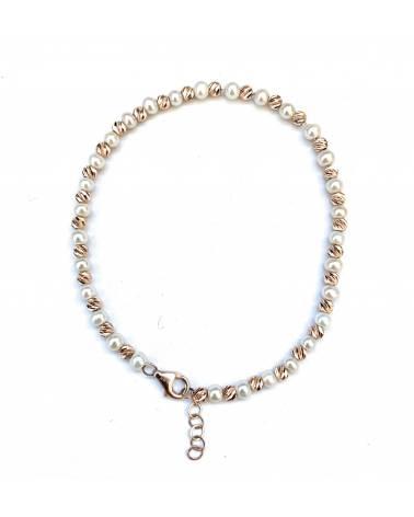 Apyrankė kultivuotais perlais
